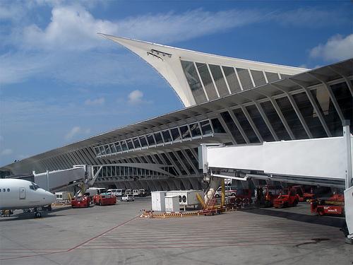 aeropuerto-de-bilbao2.jpg