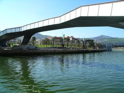 Puente Pedro Arrupe